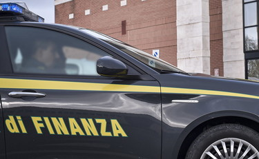 Maxi scam of renewable energy, eleven precautionary measures and fifty searches throughout Italy